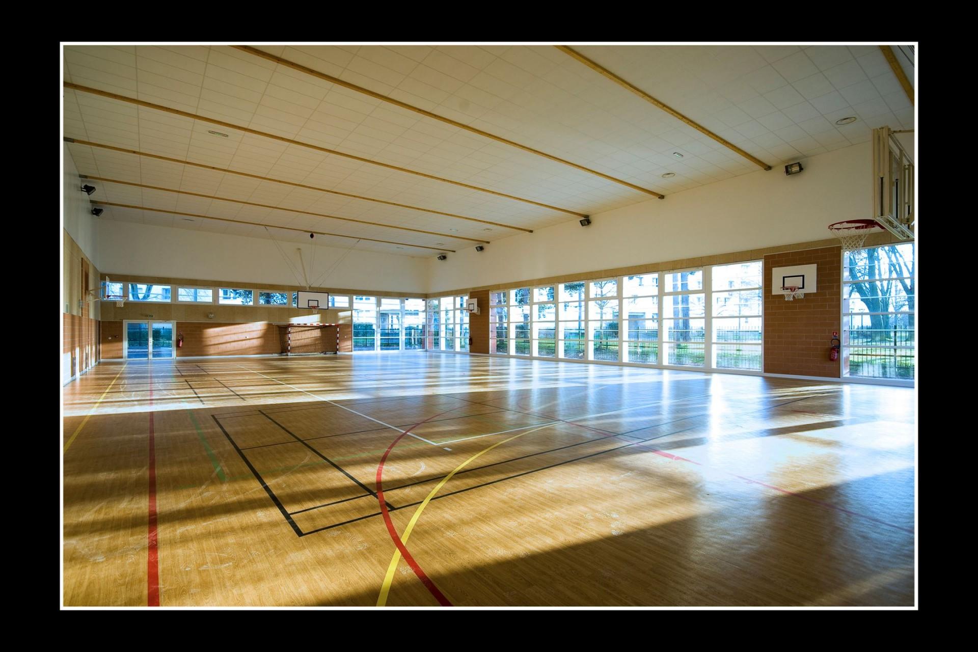 Cité scolaire Louis Hachette, Le Plessis-Robinson