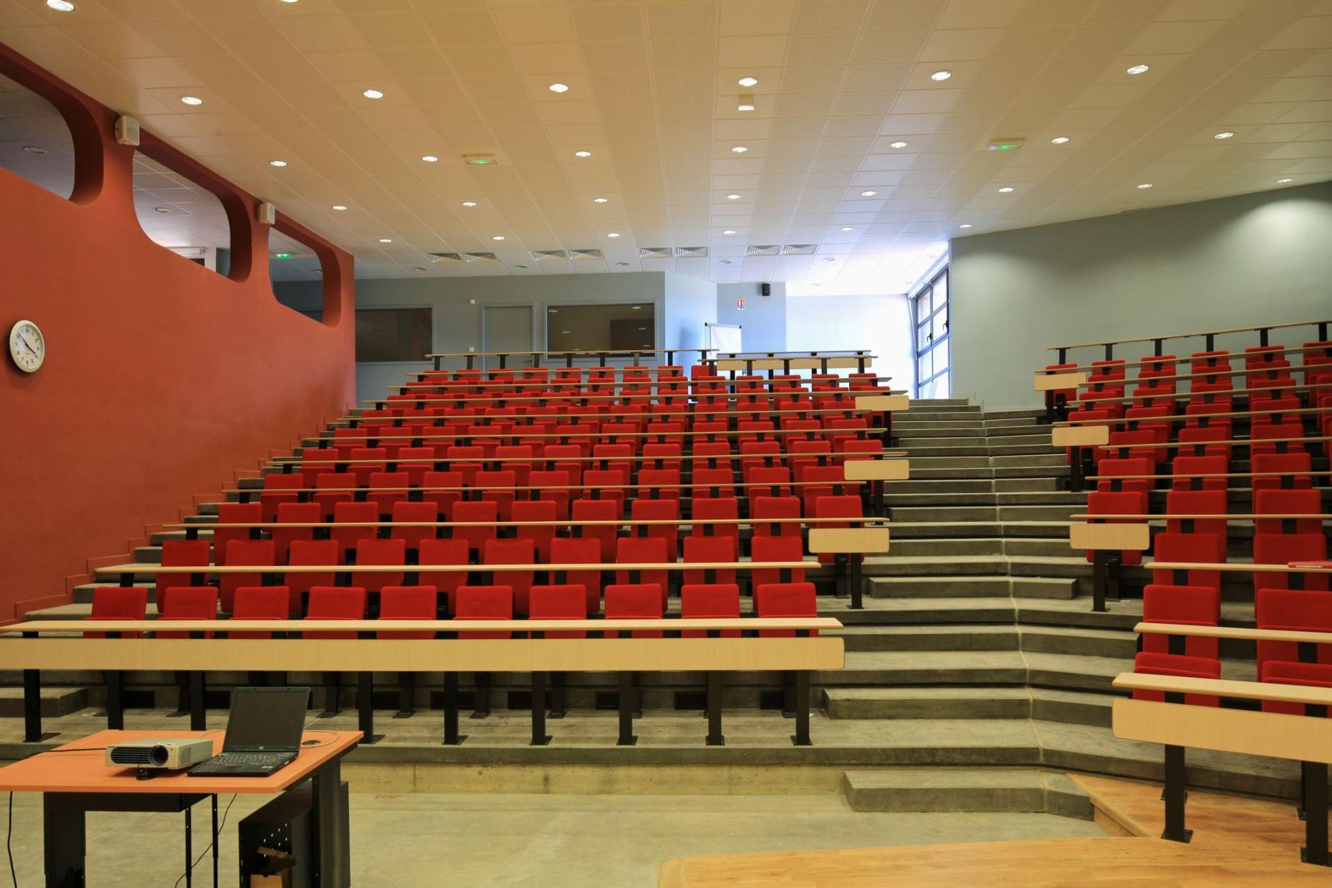Ecole départementale des sapeurs pompiers, Velaux (13)