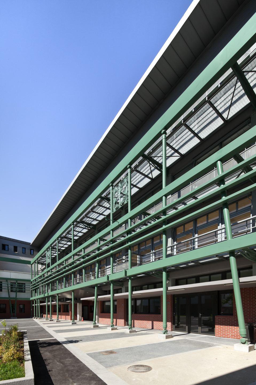 Lycée professionnel Hector Guimard, Paris, 19e